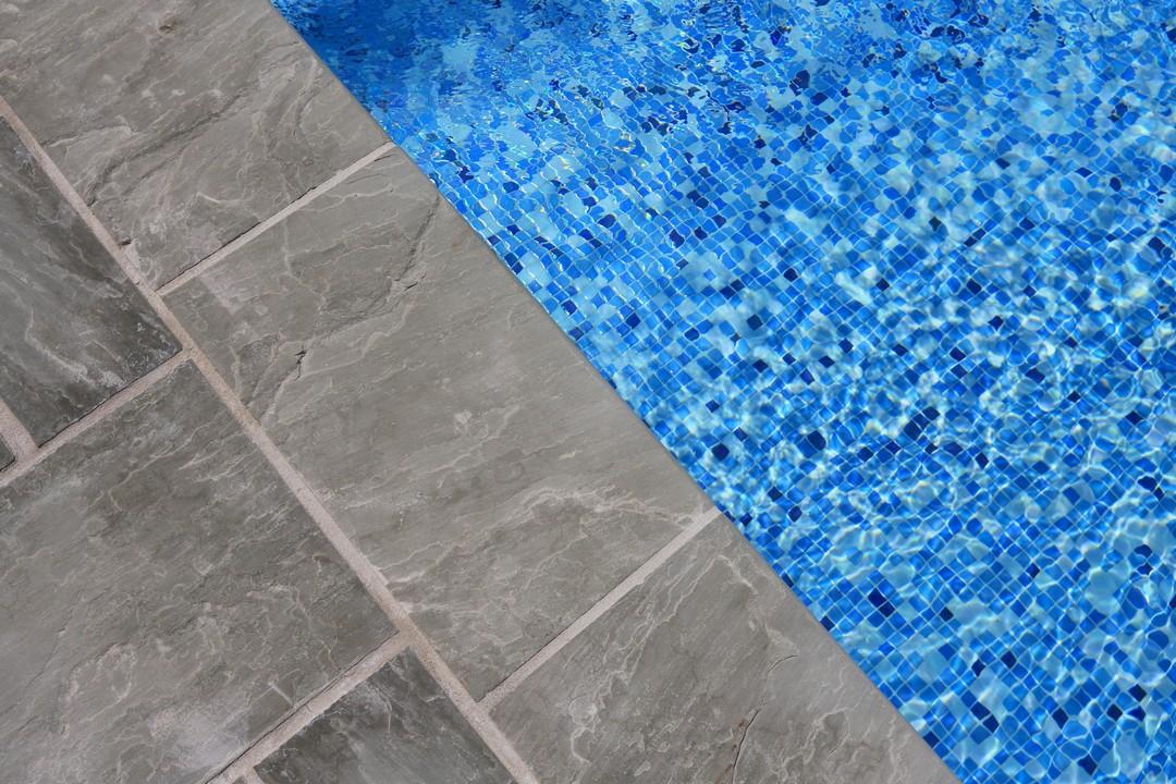 piscine gres cerame